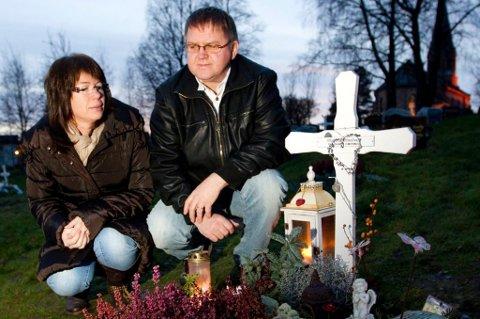 TIPPER UTILREGNELIGHET: Stein Ivar Stenberg og kona Sissel venter på å bli ferdige med rettssaken mot Anders Behring Breivik. FOTO: LISBETH ANDRESEN