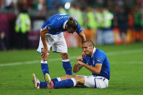 Italia-forsvareren Giorgio Chiellini var mandag tilbake i trening og kan bli klar til torsdagens EM-semifinale mot Tyskland.