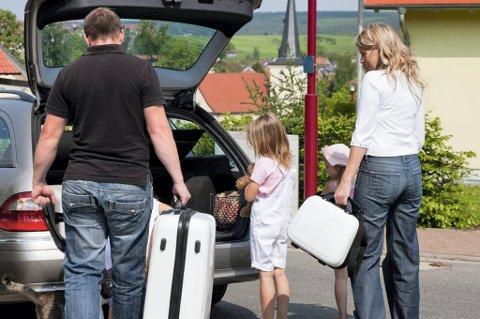 Det er viktig å ta forholdsregler før bilen forlates.