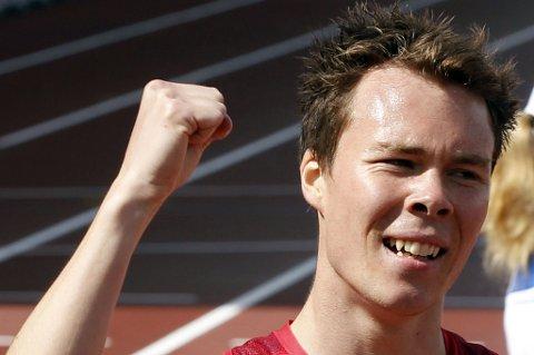 SVÆRT FORNØYD: Thomas Roth (21) fra Ull/Kisa satte ny personlig rekord under semifinaleheatet på 800 meter under EM i Helsingfors. FOTO: SCANPIX