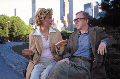 New York utgjør rammene i de fleste av Allens over 40 spillefilmer. Her ser du ham i Central Park, sammen med Téa Leoni i «Hollywood Ending» (2002).