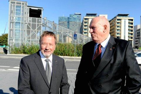 LO-leder Roar Flåthen (til høyre) og Fellesforbundets leder Arve Bakke prioriterte betalt pappaperm under årets lønnsoppgjør.