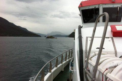 Politiet i Etne gir opp å finne de tre polakkene som har vært savnet siden en fisketur i Etnefjorden forrige uke og avsluttet fredag leteaksjonen.