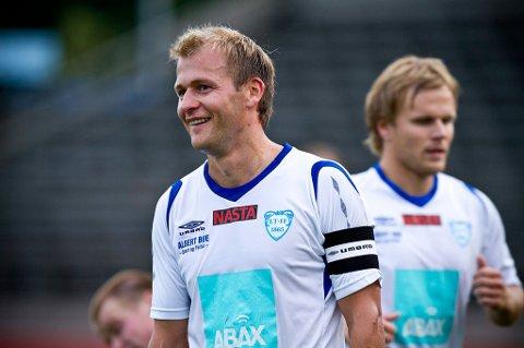 Lars Moholt scoret ett av Larvik Turns to mål mot Tollnes (Arkivfoto: Mats Grimsæth)