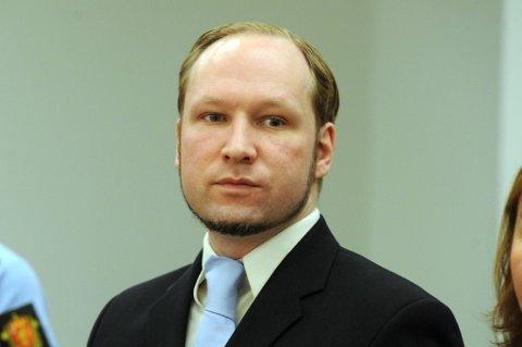 Etter rettssaken har han brukt mye tid på å gjennomgå og svare på brev. Han har sagt at han ønsker å studere statsvitenskap, og han planlegger å skrive flere bøker, sier Breiviks forsvarer Tord Jordet til VG.