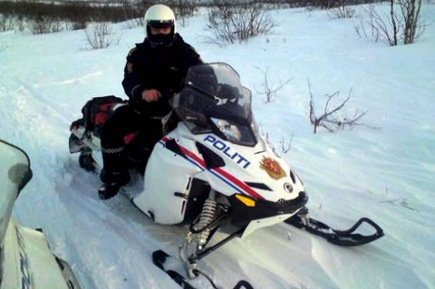 Ungdommen vil ha mer synlig politi i snøskuterløypene for å få stanset villmannskjøringen.