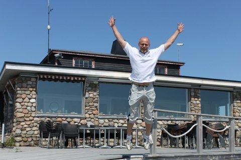 Rune Studsrød har mer enn nok å gjøre på restauranten på Verdens Ende.