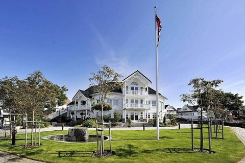 Villaen i strandkanten på Roaldsøy ble mandag solgt for 20 millioner kroner.