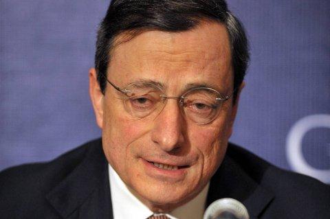 Sjef for Den europeiske sentralbank, Mario Draghi, lanserer ny plan for å redde euroen.