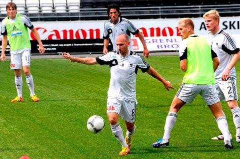 Jone Samuelsen åpner for å gå i dialog om en ny kontrakt med Odd.