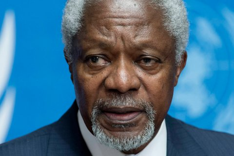 Kofi Annan kaster inn håndkleet i Syria.