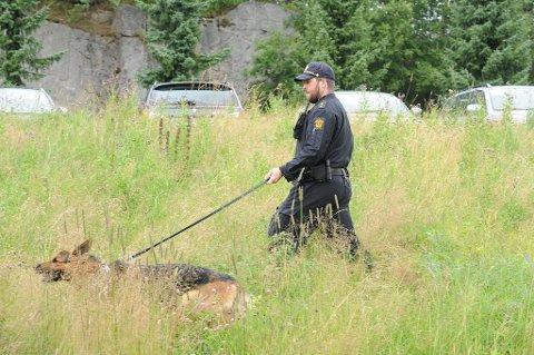 Politiet har tatt i bruk hunder og helikoptre for å finne savnede Sigrid Schjetne (16).