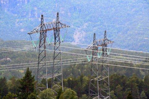 Til tross for en liten økning, er strømprisen fremdeles lav i forhold til i fjor.