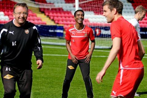 Mohammed Ahamed blir TUIL-spiller igjen. TIL sier at spilleren slippes gratis.