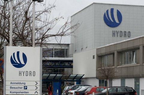 Hydro hadde en positiv høståpning på Oslo Børs mandag.