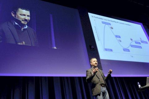 PERSONLIGHET: Hans Petter Nygård-Hansen ble i 2011 kåret til årets personlighet på sosiale medier. I går formiddag holdt han Gallaria-foredraget «Sosiale medier er ikke et IT-prosjekt, men et kulturprosjekt» i Kinoteateret.