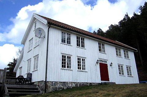 Berli gård: På gården til Bjørg og Karl Vangsnes på grensen mellom Arendal og Grimstad skal årets utgave av «Farmen» spilles inn.