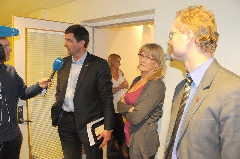 Stortingsrepresentant Karin Andersen er ikke tilfreds med svaret hun fikk fra Jan Tore Sanner i spørretimen tirsdag. Bildet er fra møtet med Hedmarksbenken tirsdag.