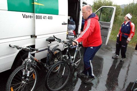 TEAM: Materialforvalter Jan Bjørsvik har mye å holde rede på.