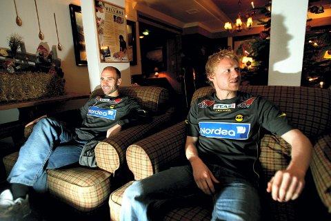 SIKRE KJØP: Tom Nordlie har valgt trygt på overgangsmarkedet til nå. Både Steinar Pedersen (t.v.) og Jon Midttun Lie har han trent i Start, og denne uka har duoen møtt sine nye lagkamerater på Skeikampen. FOTO: ROAR GRØNSTAD
