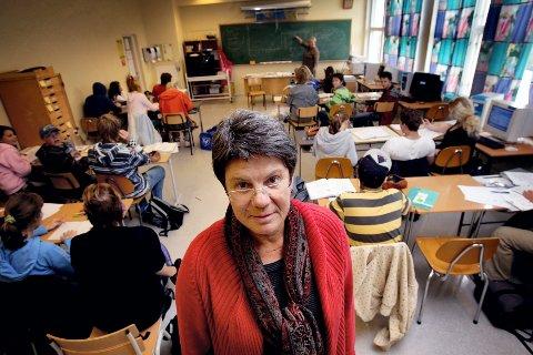 MÅLRETTET: ? Skolehverdagen skal ikke preges av mobbing og vold, men av et godt læringsmiljø, sier rektor Brit Bunæs ved Vilberg ungdomsskole. FOTO: LISBETH ANDRESEN
