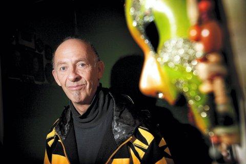 Den mektige platebransjeveteranen Sæmund Fiskvik refser de store norske opphavsrettsorganisasjonene for å være late og lite framtidsrettede.