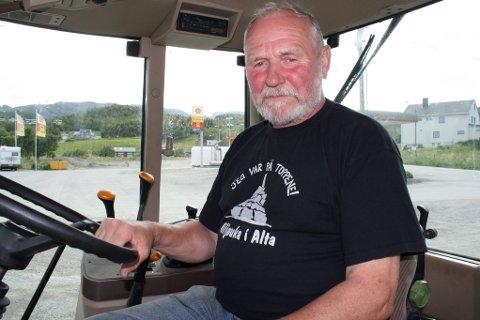 Harald Mikkelsen brukte traktoren da en innbruddstyv prøvde og gjøre innbrudd i familiens butikk.