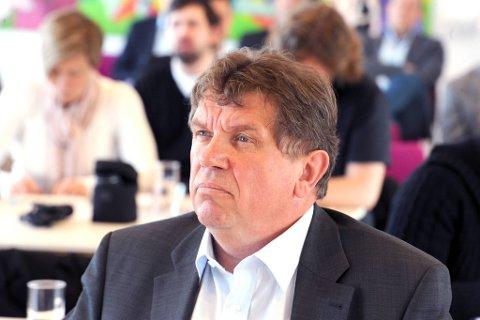 Norgesgruppen, ved konsernsjef Tommy Korneliussen,  ønsker å opprette Meny-butikker i halvparten av ICA Maxi-lokalene.