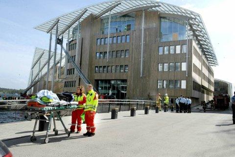 Nødetatene ble satt inn, også ambulansepersonellet sto klare til innsats.