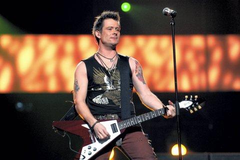 «Ta meg», synger Plumbo-vokalist Lars Erik Blokkhus på bandets nye singel. Her fra årets Melodi Grand Prix.