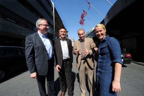 Tirsdag holdt Arbeiderpartiet ordførerkonferanse i Oslo. Fra venstre: Ordfører Per Kristian Lunden (Risør), fylkesordfører Tore O. Sandvik (Sør-Trøndelag), Aps partisekretær Raymond Johansen og ordfører Hedda Foss Five (Skien).