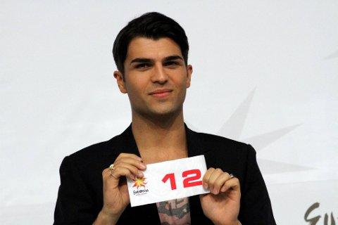 Tooji skal starte som nummer 12 med «Stay» lørdag under eurovisjonsfinalen, og er veldig fornøyd med dette.
