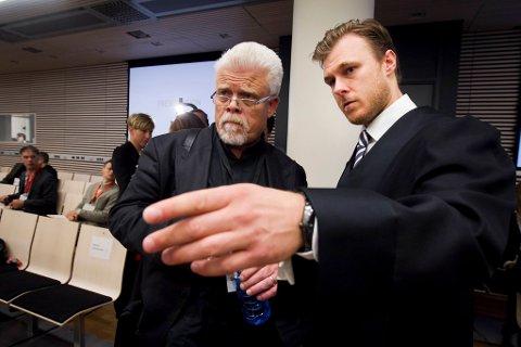 Professor Mattias Gardell og forsvarer Tord Jordet.