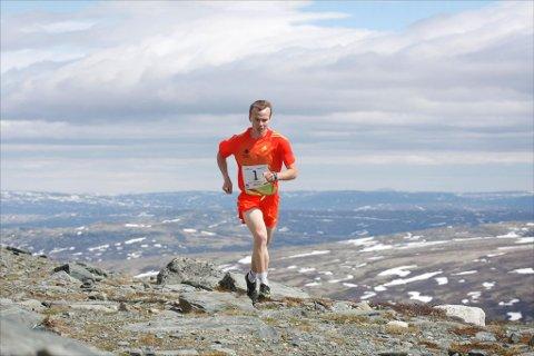 TRE KVARTER:  Johan Bugge brukte akkurat 45 minutter på å gjennomføre Almannbergjet Opp. Foto: Fredrik Mellemseter
