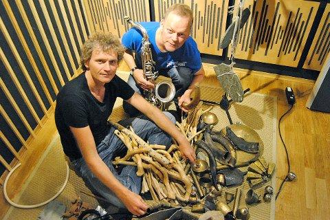 Duoen Isglem driv med fri improvisasjon og er svært nøgde med innspelinga i Lærdal. Mellom anna blei stein frå Jotunheimen, bjeller frå Kina og 800 år gamal furu frå Nordland brukte som instrument under innspelinga.
