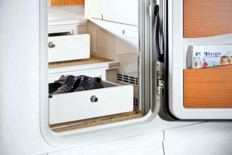 Innvendig byr bobilene på en god dose luksusfølelse, med høy materialkvalitet og god finish.