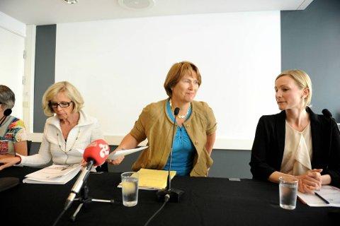 Statsrådene Anne-Grete Strøm-Erichsen (Ap), Grete Faremo (Ap) og Inga Marte Thorkildsen (SV) la fram handlingsplan mot voldtekt.