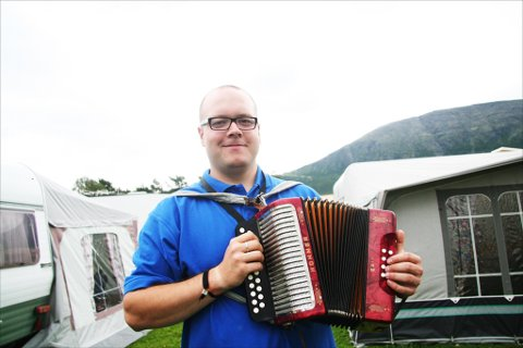 VANT KONGEPOKALEN: Øyvind Sandum fikk den best mulige starten på ferien. Bildet er fra landsfestivalen i Oppdal i fjor. Arkivfoto: Siv Storløkken