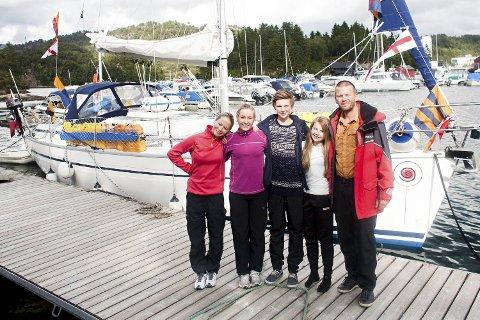 F.v. Linn Therese Otterbu, Eirin Helvik, Sondre Melkevik Otterbu, Sofie Melkevik Otterbu og Eirik Otterbu.