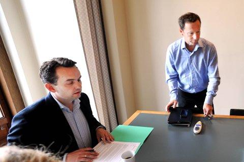 Byrådsleder Stian Berger Røsland (H) møtte Robert Wright  som er kirkeverge i Oslo om romfolket som holder til ved Sofienberg kirke.