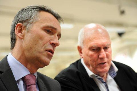 Statsminister og partileder Jens Stoltenberg (Ap) og LO-leder Roar Flåthen håper begge at direktivstrid og streikekaos skal være glemt før valgkampen til neste år.