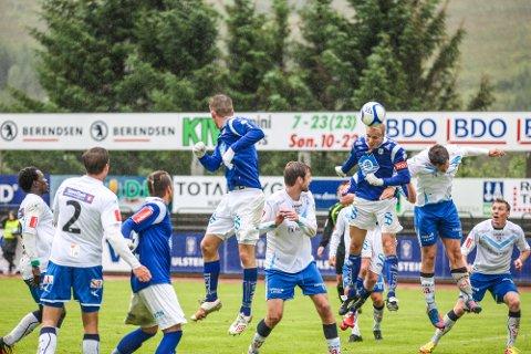 Sarpsborg 08 ledet kampen, men to mål av hjemmelaget Hødd gjorde at vertskapet vant 2-1.