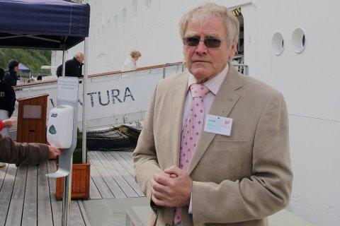 FALSK ALARM: Oddvar Røysi har kome til den konklusjon at pynt på cruisekaien ikkje vart stolen likevel.