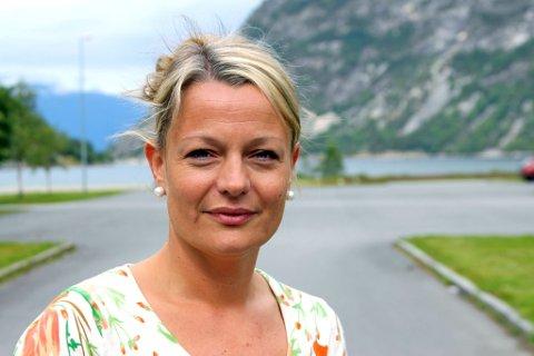 VIL DELA ERFARINGAR: Helene Maristuen er prosjektleiar i berekraftig reiselivsutvikling i Lærdal.