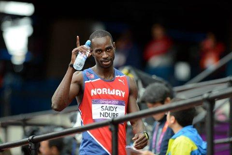 Jaysuma Saidy Ndure er klar for neste runde på 200-meteren.