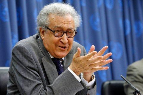 Lakhdar Brahimi er tidligere algerisk utenriksminister med lang fartstid som FN-diplomat i ulike konfliktområder.