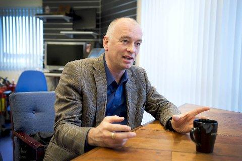 Tom Eide Knudsen driver farens bedrift.