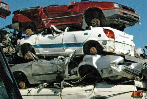 Bilvrak kan være fulle av miøljøgifter før de blir tatt hånd om av bilopphuggeren.