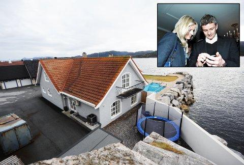 Ole Gunnar Solskjær og kona Silje Lyngvær har fått lov til å rive huset på Bryggekanten 21 for å sette opp et nytt. Foto: Trygve Strand Joakimsen/Ole T. Strand