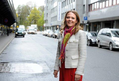 Høyres Linda Hofstad Helleland vil sponse fritidsakviiteter for barn i fattige familier.